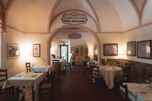 interni osteria all'ussero