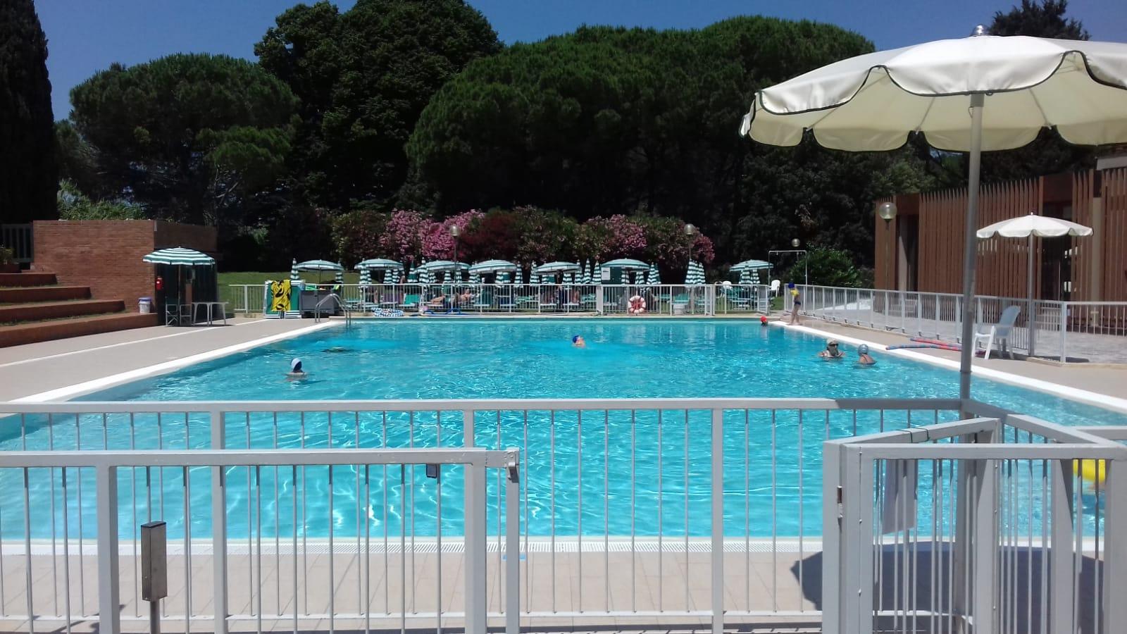 Uliveto pool monte pisano in toscana - Piscina san giuliano terme ...